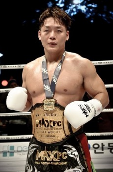미들급 챔피언 김준화